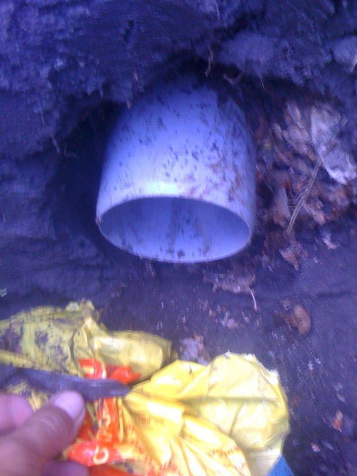 Вывод канализации из фундамента